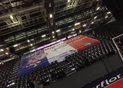 Tifo géant tribunes handball