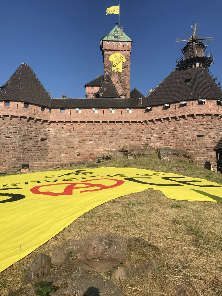 Nakara habille le chateau du haut-koenisbourg Tourde France 2019